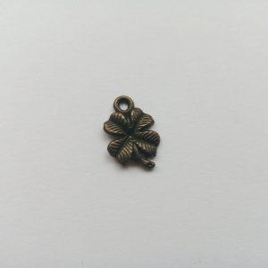 Fém függő bronz színű szerencsehozó négylevelű lóhere charm fityegő