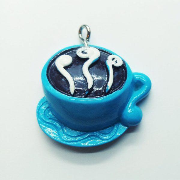 Extra függő ital kávé cappuccino kék bögrében charm