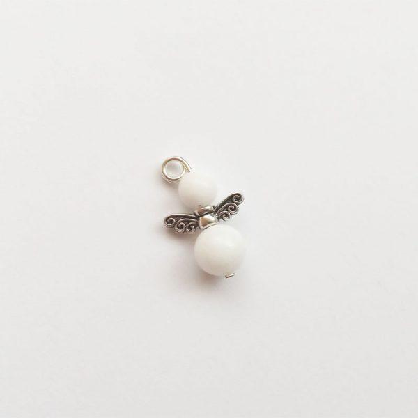 Extra függő charm fityegő ásvány angyal fehér tejkvarc