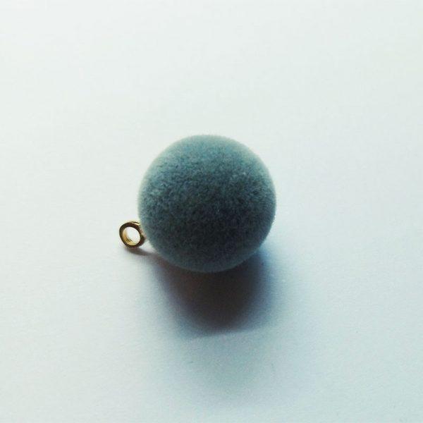 Extra függő szürke pompom charm fityegő