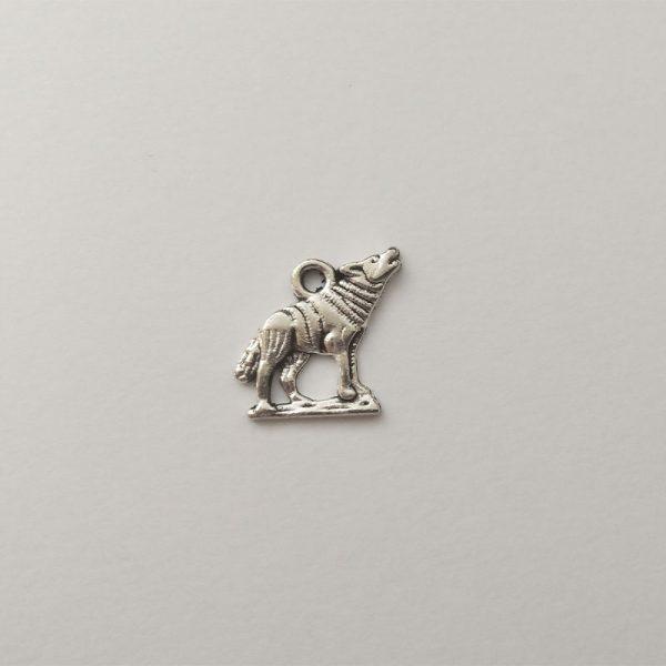 Fém függő ezüst színű üvöltő farkas charm fityegő