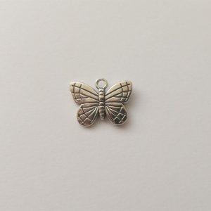 Fém függő fityegő charm ezüst színű pillangó