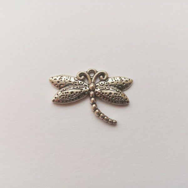 Fém függő charm fityegő ezüst színű állat szitakötő