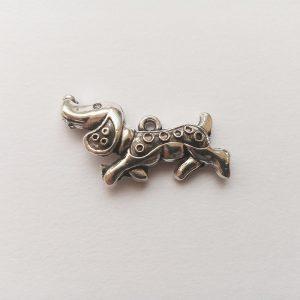 Fém függő kutya tacskó tacsi nagy ezüst charm fityegő