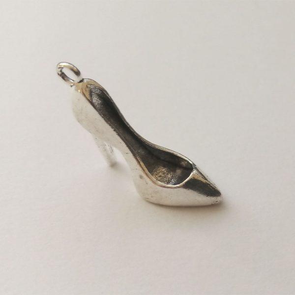 Fém függő ezüst színű magassarkú női cipő charm fityegő