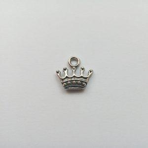 Fém függő charm fityegő ezüst színű korona király királynő hercegnő