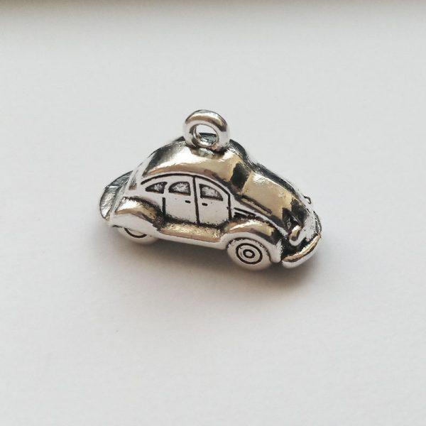 Fém függő ezüst színű kocsi autó bogárhátú közlekedés jármű charm fityegő