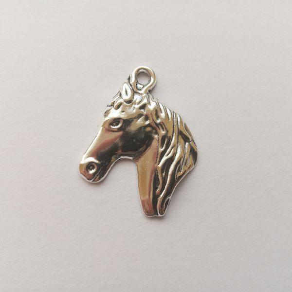 Fém függő charm fityegő ezüst színű ló fej