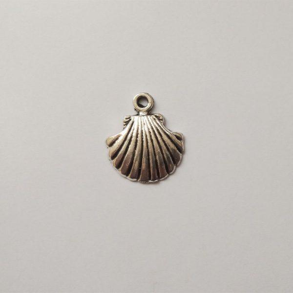 Fém függő ezüst színű tengerpart kagyló strand charm nyaralás utazásfityegő
