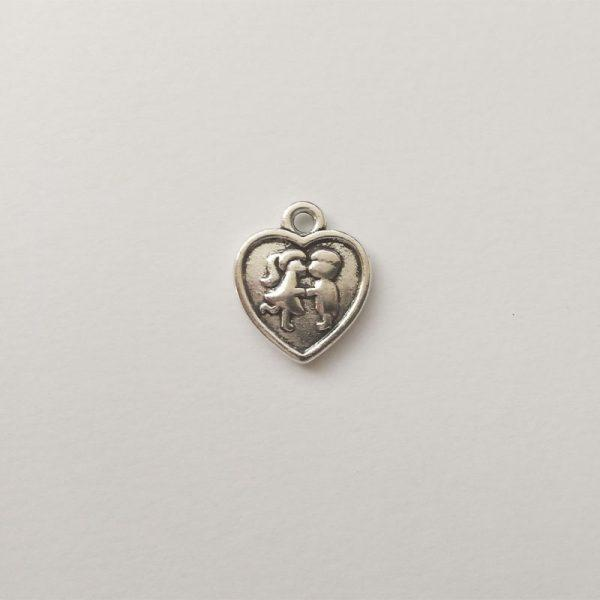 Fém függő charm fityegő szerelmes pár szívben szerelem puszi