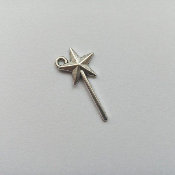 Fém függő fityegő charm ezüst színű mese varázspálca varázslat charm