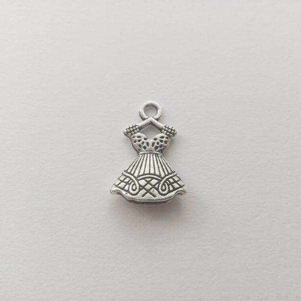 Fém függő ezüst színű díszes női ruha vállfán charm divat öltözködés fityegő